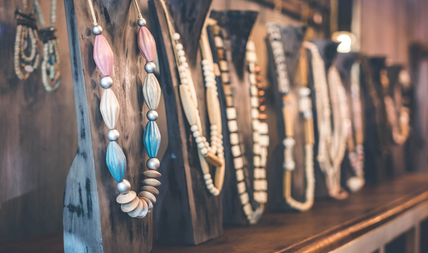 Find the best places for shopping in Pefkohori from the website of Apartment Chalkidiki