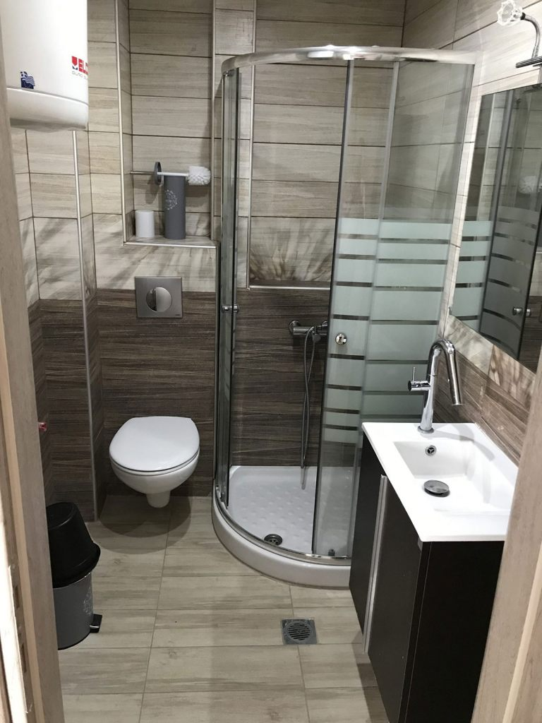 The lavish bathroom of the luxury apartment in Pefkohori from Apartment Chalkidiki